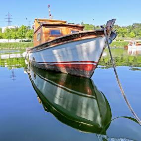 Yorgun by Veli Toluay - Transportation Boats ( balıkcı teknesi, tekne, taşıma,  )