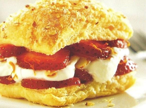 Strawberry Amaretto Patries Recipe