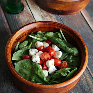 Spinach Caprese Salad with Sweet Vinaigrette