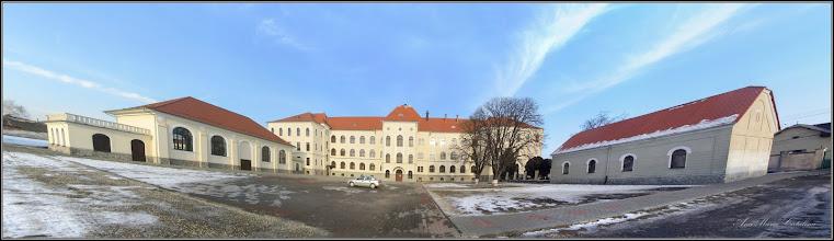 Photo: Str. Dr. Ioan Ratiu, Nr.111 - Colegiul Mihai Viteazul, vedere din curte - 2017.01.26