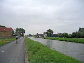 Photo: Le long du canal à Leffinge