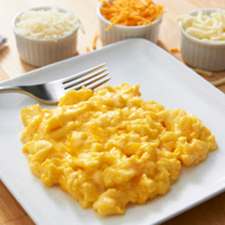 Fluffy Scrambled Eggs-Cheesy Style