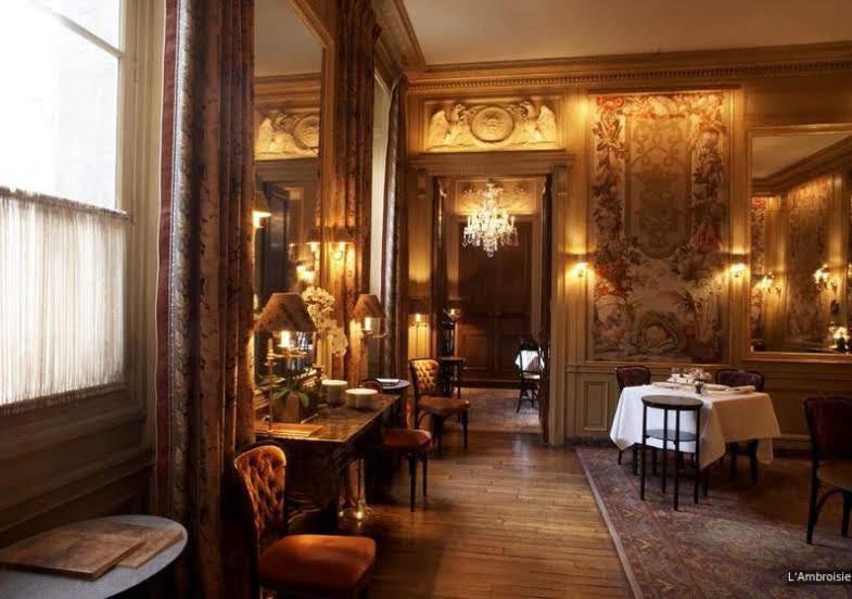 パリミシュランフランス版三ツ星ランブロワジー写真
