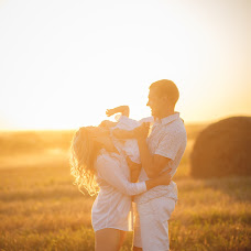 Wedding photographer Ekaterina Kurk (KurkKatrin). Photo of 23.12.2015