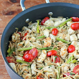 Lemon Chicken Orzo with Tomatoes and Asparagus.