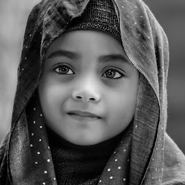 by Ali Imoex - Black & White Portraits & People
