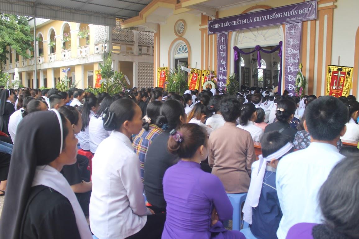 Thánh Lễ An Táng Nữ Tu Anna Trần Thị Phượng - Dòng Mến Thánh Giá Vinh - Ảnh minh hoạ 23