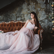 Wedding photographer Larisa Moiseeva (PicaPica). Photo of 17.09.2017