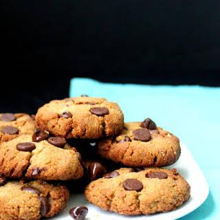 Grain-Free Chocolate Chip Cookies, Naturally Sweetened.
