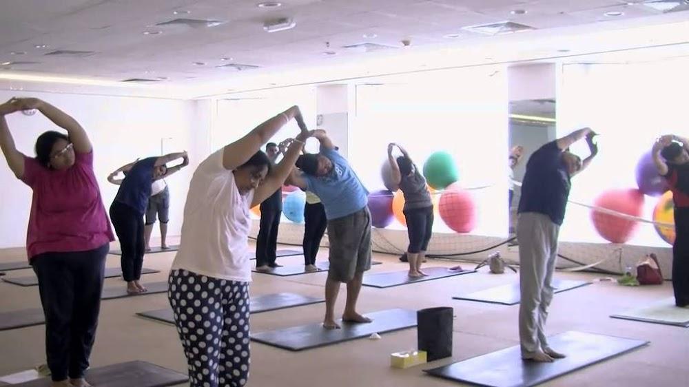 best-yoga-classes-delhi-bharath-thakurs-artistic-yoga-image