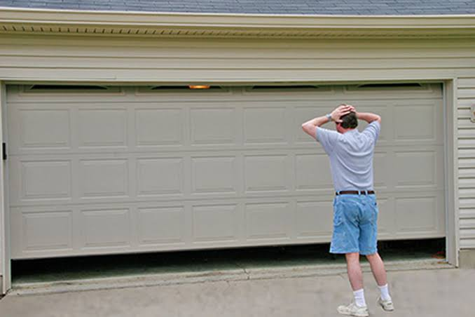 What To Do When Your Garage Door Isn't Opening