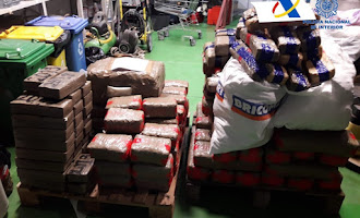 1.000 kilos de hachís ocultos en dos embarcaciones