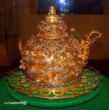 Photo: Mahkota Kerajaan Gowa disebut Salokoa (replika).Terbuat dari emas murni seberat 1.768 gram, permata berlian 250 butir. Bentuknya menyerupai kerucut bunga teratai dengan 5 kelopak daun. http://nurkasim49.blogspot.com/2011/12/ii.html