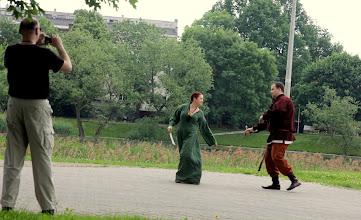 Photo: lady ćwiczy obronę przed smokami