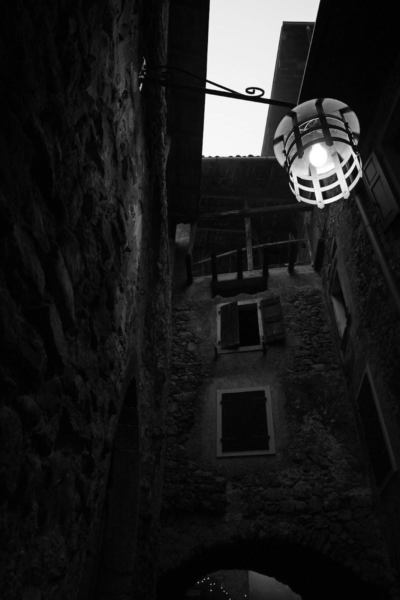 Borgo medievale  Canale di Tenno di PC style