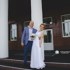 Wedding photographer Aleksandr Rebrov (myfoto76). Photo of 05.10.2017