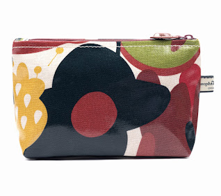 Wild Floral Classic Small Wash Bag