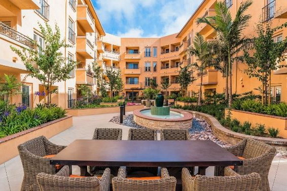 Playa Del Oro Apartments