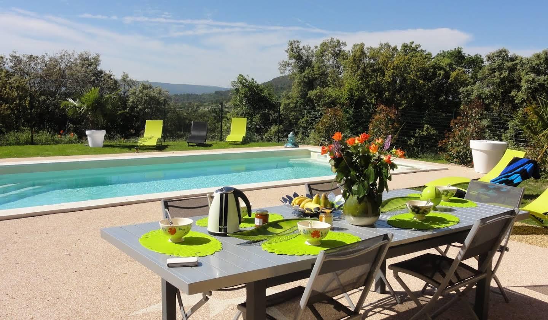 Propriété avec piscine Saint-Saturnin-lès-Apt
