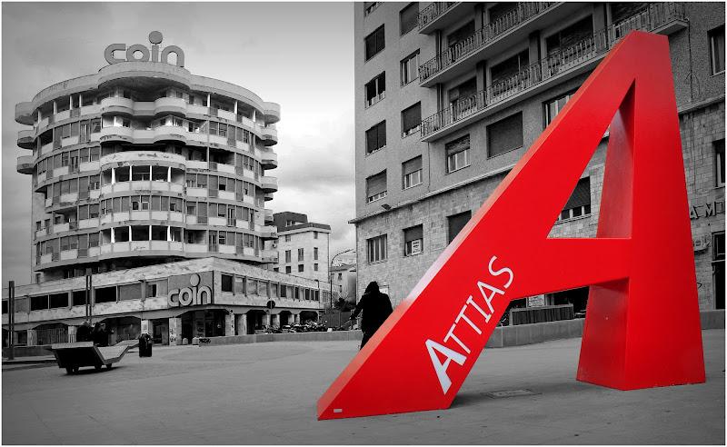 La A gigante di Piazza Attias di Emme Photo