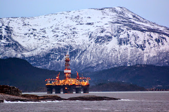 Photo: The only oil rig we spotted