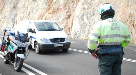 ¿Por qué nos multan a los conductores almerienses? Los principales motivos