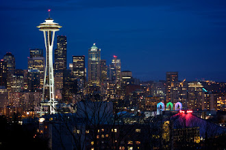 Photo: Seattle skyline at dusk