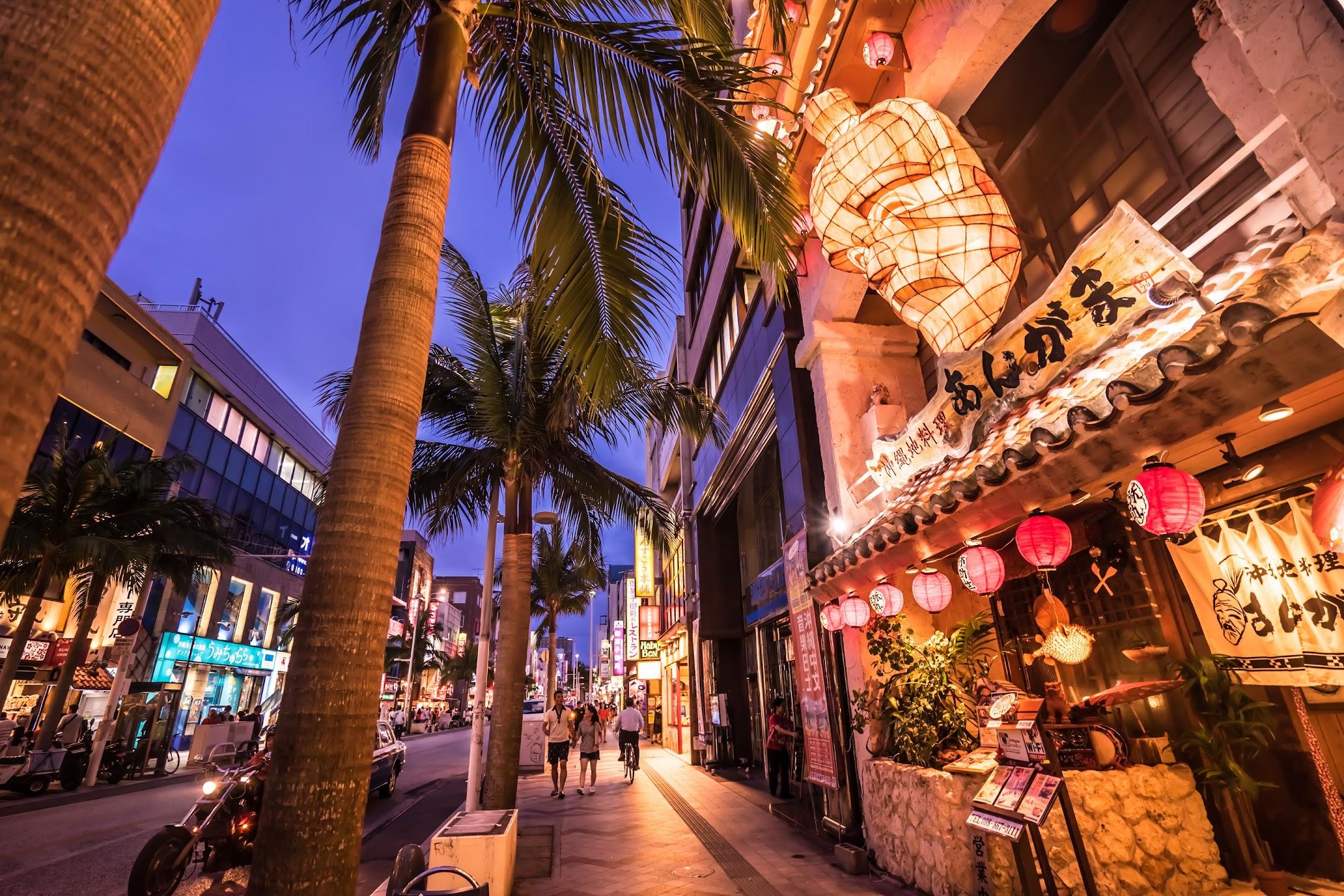 Okinawa Kokusai Street evening3