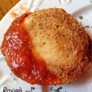 Toasted Ravioli with Marinara Sauce-Football Friday.