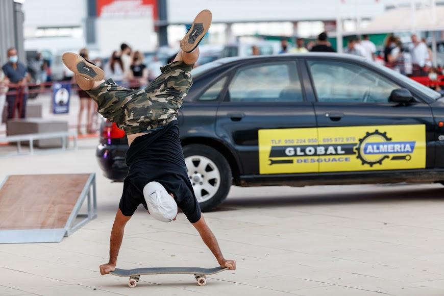El esplendor del movimiento skater en Almería dejó constancia en la exhibición que se celebró en el CC Torrecárdenas.