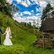 Wedding photographer Adrian Moscaliuc (adrianmoscaliuc). Photo of 14.07.2017