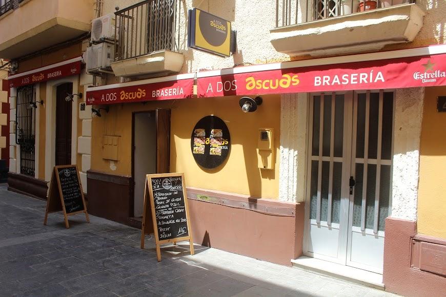 A Dos Ascuas, Brasería ubicada en calle Padre Alfonso Torres.