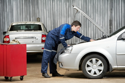 Car Insurance, Maintenance Mechanic Photo - Albuquerque Insurance World