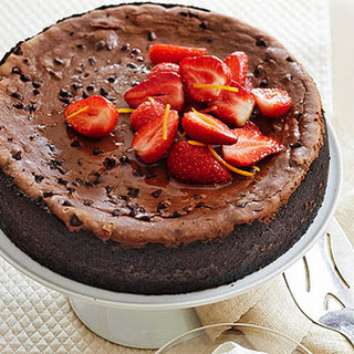 Mocha-Chocolate Chip Cheesecake with Strawberries