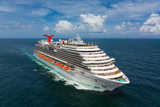 carnival-Horizon-in-San-Juan.jpg - Carnival Horizon sails from Miami on 6-night Western Caribbean voyages and 8-night Southern Caribbean sailings.