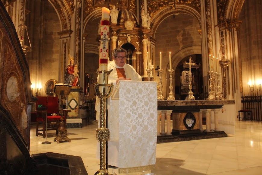 El canónigo de la Catedral, Víctor Montoya, presidió la eucaristía en el primer templo de la Diócesis.