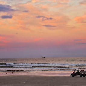 sunset at Daytona Beach by Debi Henry - Landscapes Sunsets & Sunrises ( pinks and purples, sunset, daytona beach )