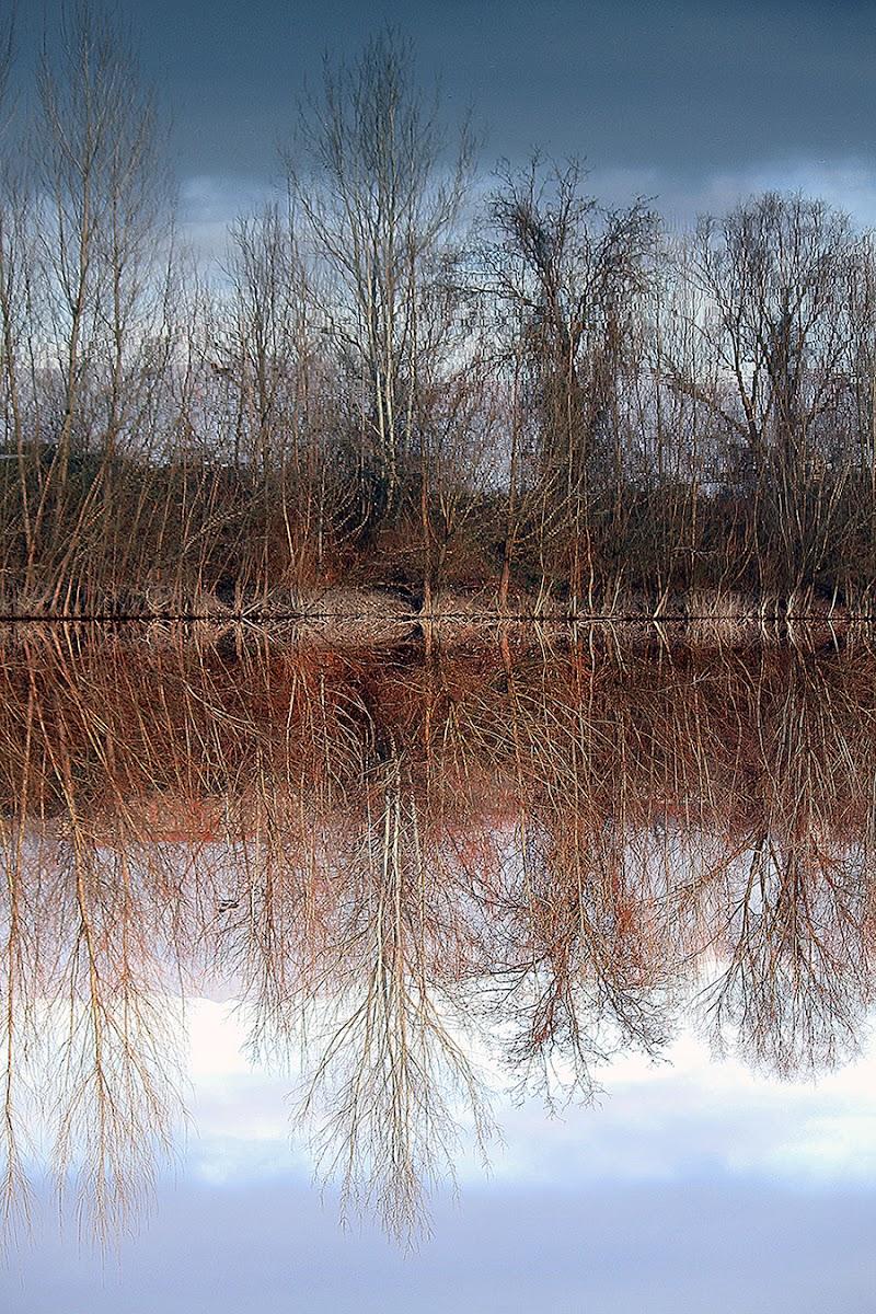 Acqua come specchio  di Uriol