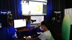Una alumna en la clase de realización 'streaming'.