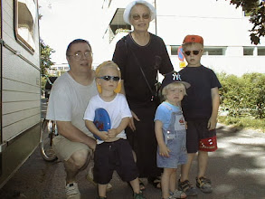 Photo: 19990711 vaari, Onni, mummi, Okko, Ville (ValkonenHelena)