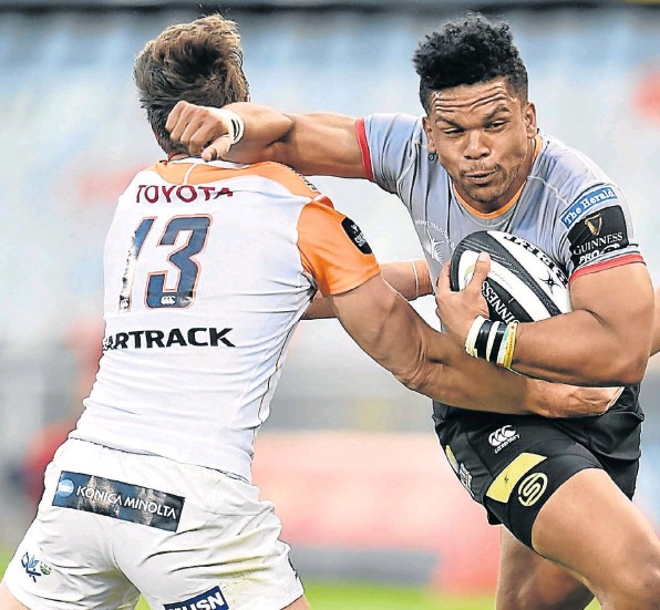 Strong-running centre Berton Klaasen is back in the Isuzu Southern Kings squad to face Edinburgh at Murrayfield on Saturday.