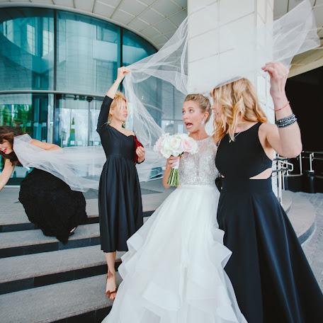 Wedding photographer Anton Serzhantov (BEBESIDE). Photo of 13.06.2017
