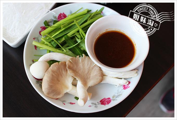 江豪記 臭豆腐王麻辣臭豆腐鴨血鍋