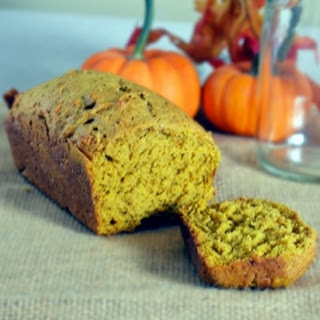 Pumpkin Bread Mini Loafs That Make the Best Thanksgiving Hostess Gifts