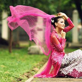 N A T U R A L by Arrahman Asri - People Fashion ( wind, fashion, beautifull, woman, kebaya, pink, beauty, natural, people )