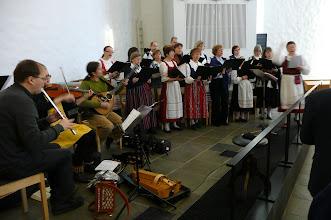 Photo: Soitinyhtye ja Korson seurakuntakuoro