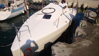 Photo: mise à l'eau à Messery chez Léman Plaisance - merci à Philippe Raphos et toute son équipe