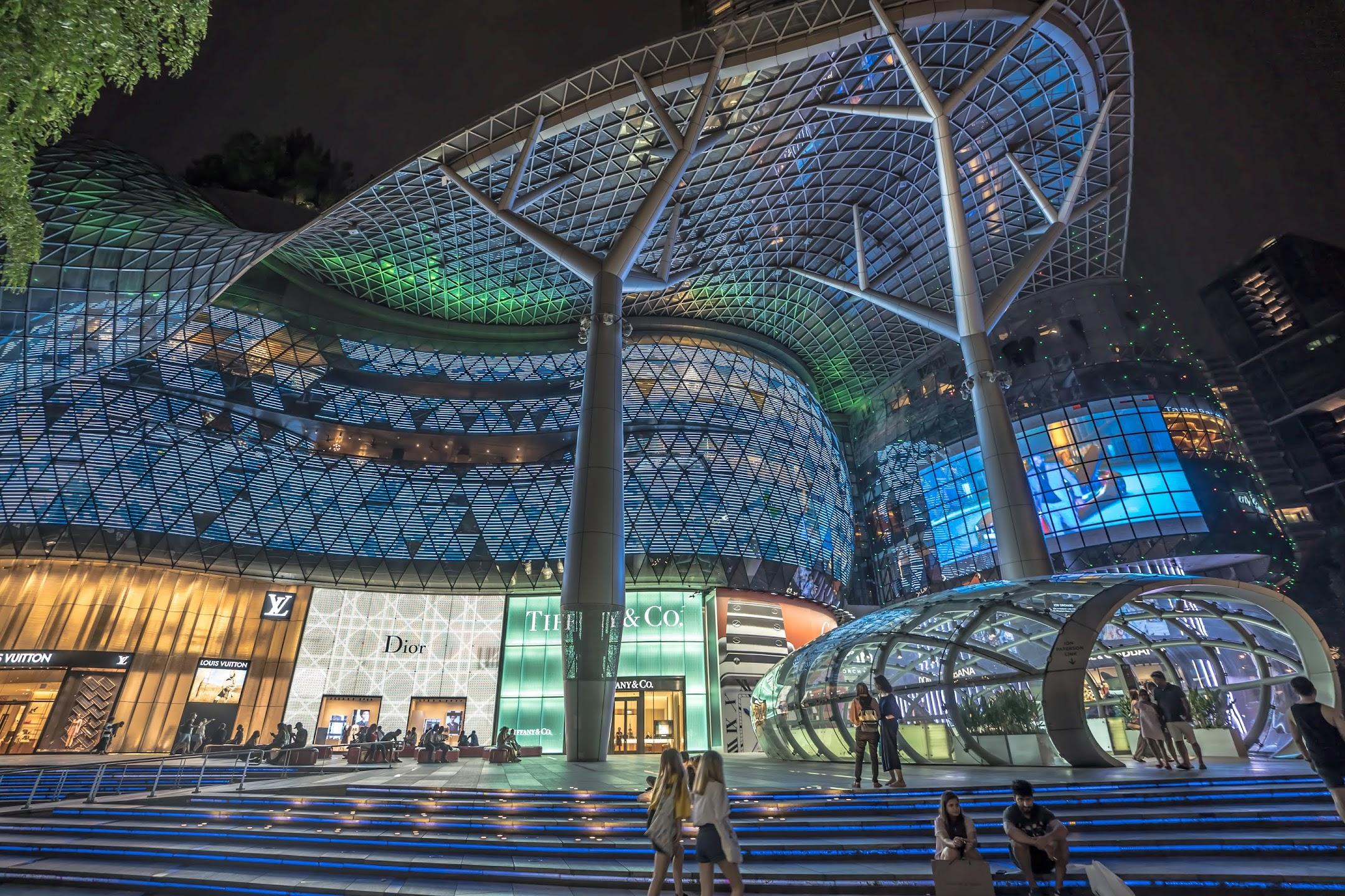 シンガポール ION Orchard1