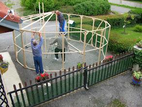 Photo: Construction de la grande volière pour le salon 2009