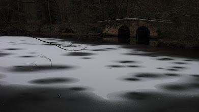 Photo: Ombre et lumière sur la glace